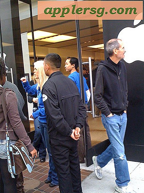 Steve Jobs besøger casual en Apple Store