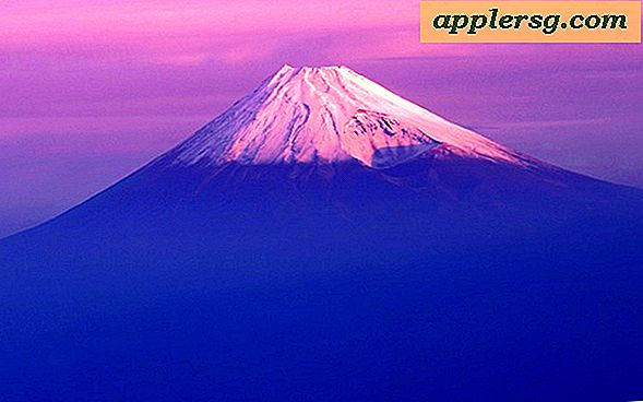 Mac OS X 10.7 Lion Fuji Mountain Wallpaper