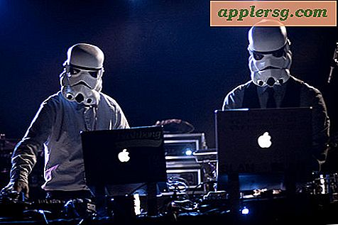 Mac Storm Trooper DJ's Rocking Out!