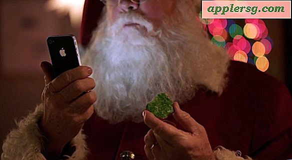 Santa bruger en iPhone 4S og Siri i den nyeste Apple Commercial [Video]