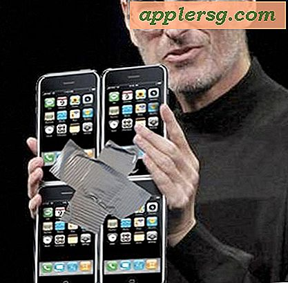 Steve Jobs holder en prototype iPad